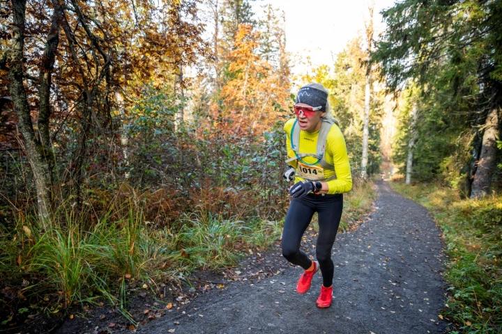 Kaisa Mäkäräinen voitti naisten 13,5 kilometrin matkan vuosi sitten Vaarojen maratonilla. Mäkäräinen saattaa hyvinkin taivaltaa tapahtumassa myös tänä vuonna.