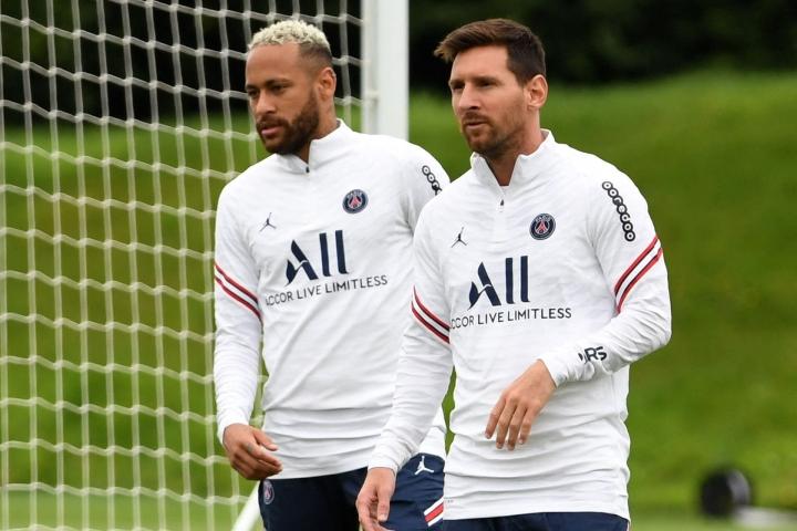 Neymar ja Messi olivat sivussa PSG:n kokoonpanosta viikonloppuna pelatussa Ranskan liigan ottelussa Clermontia vastaan. LEHTIKUVA/AFP