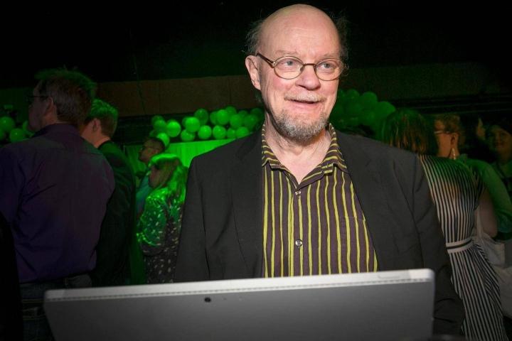 Vihreiden konkaripoliitikko Osmo Soininvaara antaisi huumekaupan valtion monopoliksi.