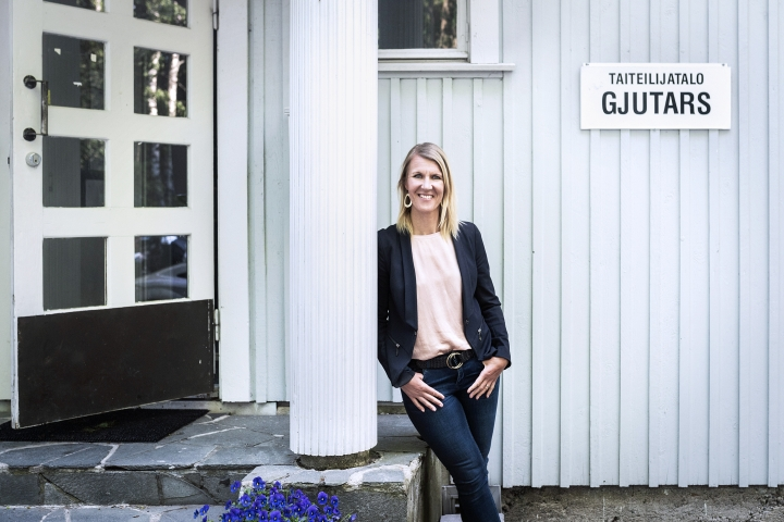 Vantaa säästää pitkän pennin siinä, että kaupunginhallituksen puheenjohtajana toimii kansanedustaja Sari Multala (kok.).