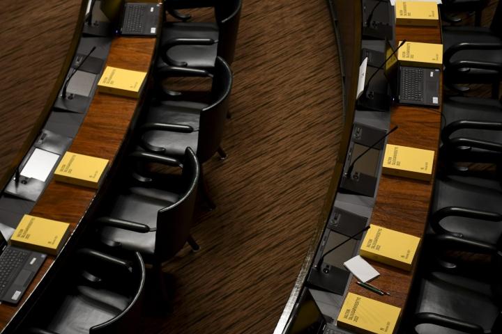 Talousarviota ja siihen liittyviä budjettilakiesityksiä käsitellään täysistunnossa koko viikon ajan. LEHTIKUVA / Jussi Nukari