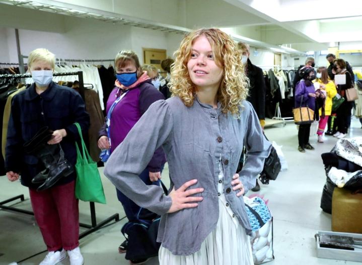 Shelma Kullenberg teki löytöjä kaupunginteatterin puvuston kirpputorilla.