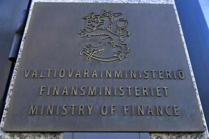 Valtiovarainministeriö kertoo, että kuntien harkinnanvaraista valtionosuuden korotusta on tänä vuonna hakenut 82 kuntaa ja haettu summa on yhteensä 144 miljoonaa euroa. LEHTIKUVA / Markku Ulander