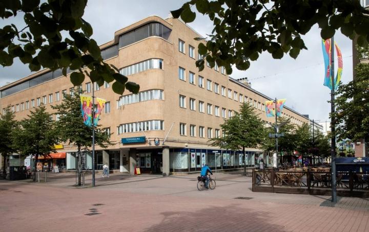 Vuonna 1939 rakennetussa Teräskulmassa oli muun muassa Joensuun ensimmäinen hissi.