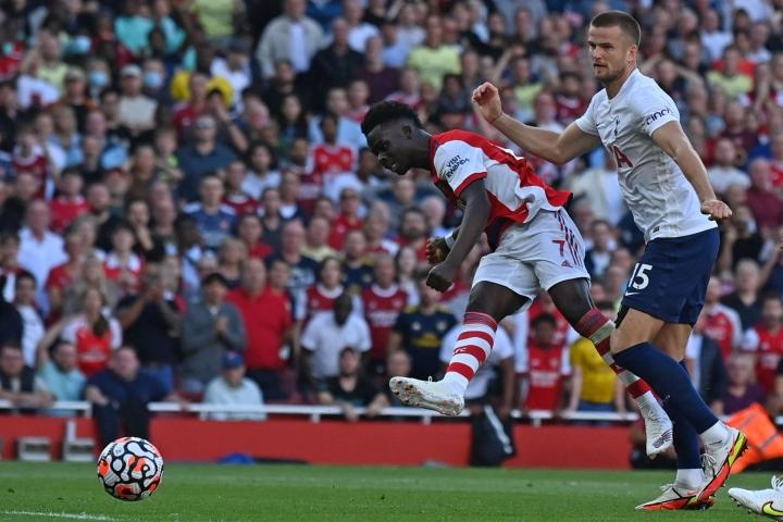 Bukayo Saka iski Arsenalin kolmannen maalin. Lehtikuva/AFP