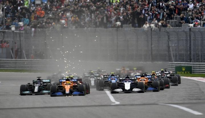 F1 kertoi myös, että Qatar liittyy pysyvästi MM-sarjan kisakalenteriin vuonna 2023. LEHTIKUVA/AFP