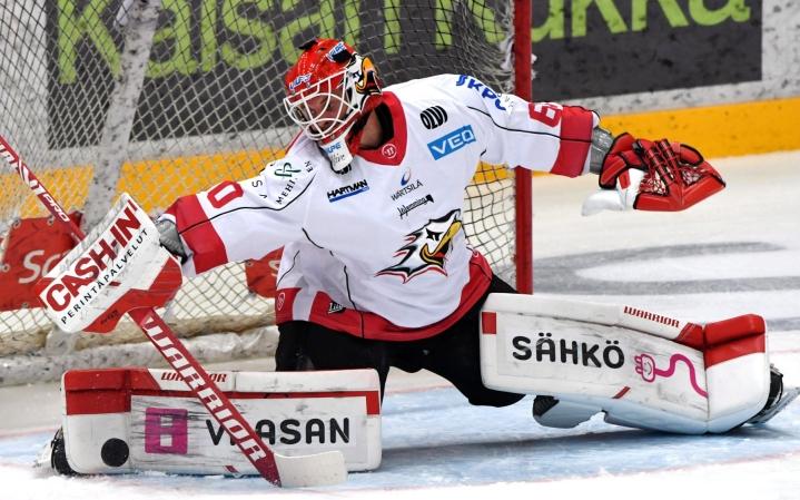 Rasmus Reijola torjui nollapelin Sportille. LEHTIKUVA / Jussi Nukari