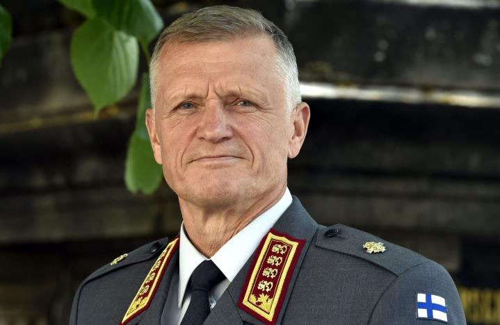 Afganistanilla tulee olemaan vaikutuksia koko kansainväliseen järjestelmään, arvioi Puolustusvoimien komentaja, kenraali Timo Kivinen.  LEHTIKUVA / JUSSI NUKARI