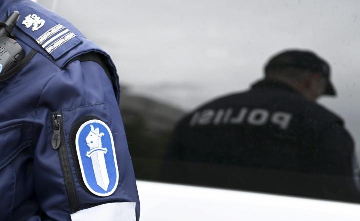Poliisi sai epäillyn kiinni tapahtumapaikan läheisyydestä. LEHTIKUVA / VESA MOILANEN