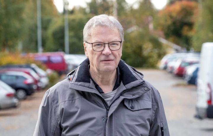 Poliisi toimi lakien mukaan, eikä minulla ole pahaa sanottavaa heistä, korostaa Pertti Virolainen.
