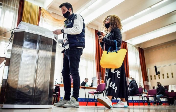 Valtapuolue Yhtenäisen Venäjän odotetaan varmistavan itselleen kahden kolmasosan enemmistön 450 kansanedustajan paikasta Venäjän duuman vaaleissa. Lehtikuva/AFP