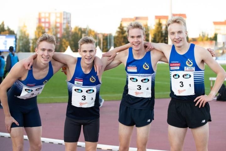 Katajan Roni Tirkkonen, Konsta Hämäläinen, Mika Kotiranta ja Samuel Auvinen ylsivät piiriennätysvauhtiin Oulun SM-viesteissä.