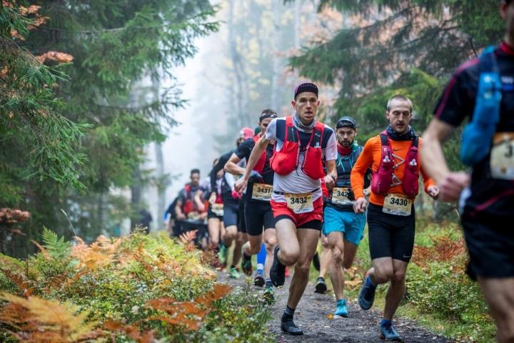Henri Ansio (3432) voitti vuosi sitten jo seitsemännen kerran peräkkäin Vaarojen maratonin 43 kilometrin matkan. Lauantaina nähdään, jatkuuko tunnetun polkujuoksijan voittoputki.