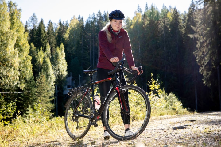 Moona Havula toteutti ajatuksensa pitkästä pyöräretkestä polkemalla Joensuusta Nuorgamiin.