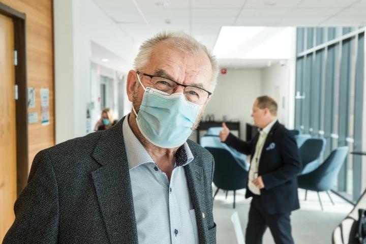Siun soten hallituksen puheenjohtaja, maakuntaneuvos Matti Kämäräinen kertoo avoimesti, että Asteria koskenut päätös oli raskas.
