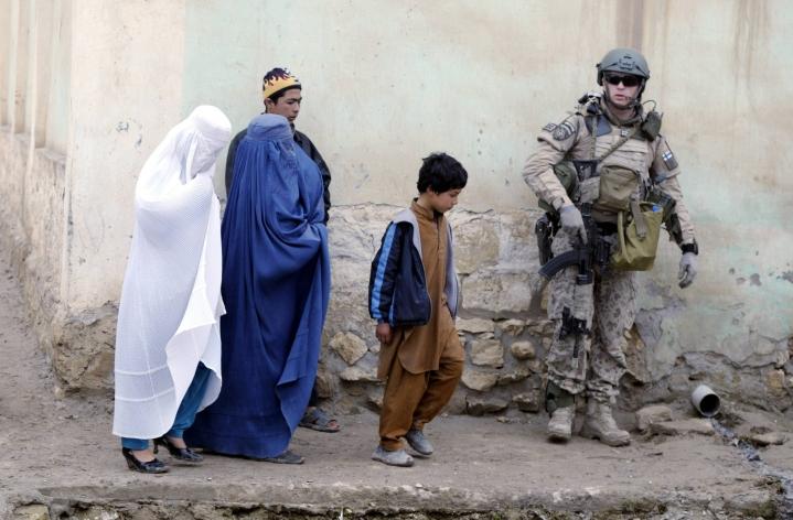 Afganistanin hallinnon ajautuminen talebaneille on kova kolaus Suomen ajamille tavoitteille, raportissa kirjoitetaan. LEHTIKUVA / AFP