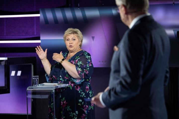 Kahdeksan vuotta Norjaa johtanut pääministeri Erna Solberg tavoittelee vaaleissa jatkokautta. Solbergin konservatiivipuolueen on kuitenkin ennakoitu jäävän äänisaaliillaan työväenpuolueen taakse. LEHTIKUVA / AFP