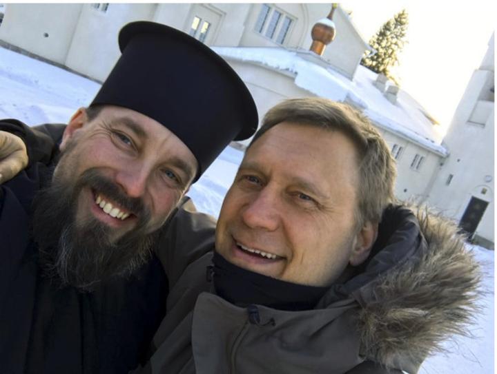 Johannes Laitela (vas.) on kirjoittanut kirjan Samuli Edelmannista.