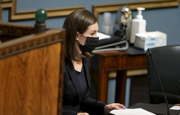 Marin muistutti, että poliisin määrärahat ovat ensi vuonna suuremmat kuin tänä vuonna jo nyt annetulla talousarvioesityksellä. LEHTIKUVA / VESA MOILANEN