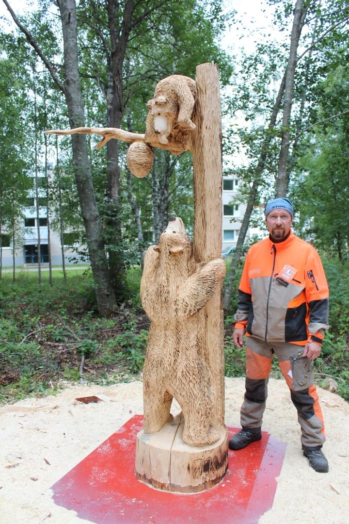 Jari Kuokkanen kertoo sisällyttäneensä teokseensa myös ympäristöasiat.