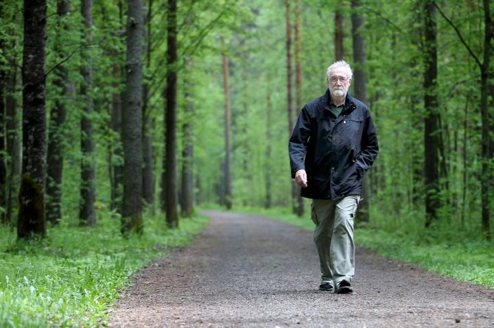 Juha Hämäläinen kirjoitti kirjan Hopealahdesta.