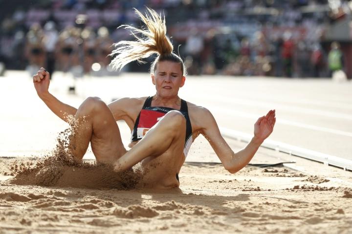 Kolmiloikan tuore Suomen mestari Kristiina Mäkelä ei kilpaile viikonloppuna Ruotsi-maaottelussa Tukholmassa. LEHTIKUVA / Kalle Parkkinen