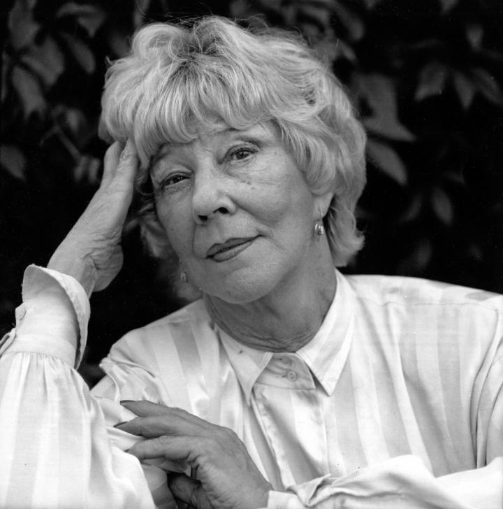 Eeva Joenpellon syntymästä tuli sata vuotta 17.6. Kuva kirjailijasta vuodelta 1991.