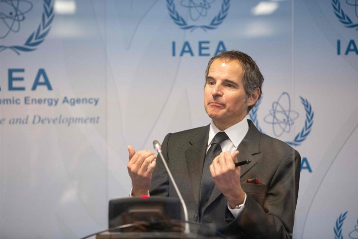 Iranin ydinvoimalaitosten valvonnasta päästiin sopimukseen IAEA:n johtaja Rafael Grossin Iranin-vierailun aikana. LEHTIKUVA/AFP