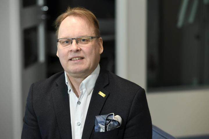Salibandyliigan seurat ovat käyneet keskustelua liigan olosuhteiden turvallisuudesta liigan toimitusjohtaja Kimmo Nurmisen johdolla. LEHTIKUVA / HEIKKI SAUKKOMAA