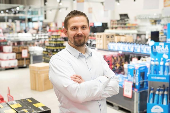 Toni Stigzelius tietää, että Motonet kohtaa Ruotsissa kovempaa kilpailua, mutta myös mahdollisuudet ovat suuremmat.