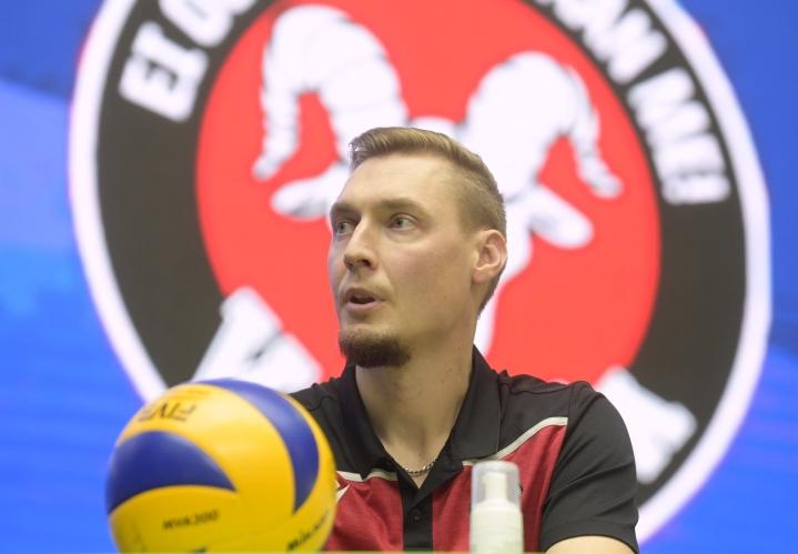Vammalan Lentopallon päävalmentaja Janne Kangaskokko sanoo, että lauantain ottelun jälkeen voi lähtee hyvillä mielin Hollantiin. LEHTIKUVA / Vesa Moilanen