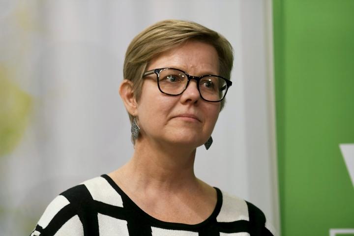 Krista Mikkonen siirtynee sisäministeriksi marraskuun lopulla.