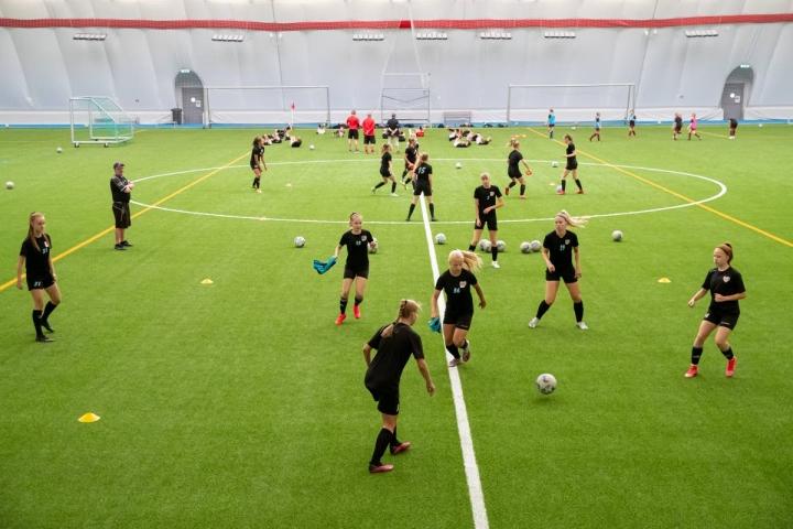 Bea Tanskanen on kuulunut FC Hertan B-tyttöjen joukkueeseen, joka on pelannut valtakunnallista T18 Ykköstä.