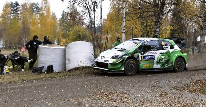 EsapekkaLappi sai Keski-Suomen soraralliin käsiinsä pitkästä aikaa WRC-auton. LEHTIKUVA / Jussi Nukari