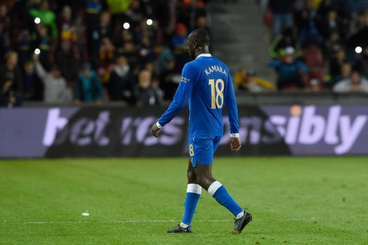 Kamaran urakka ottelussa päättyi ulosajoon kahden varoituksen myötä 74. minuutilla. LEHTIKUVA/AFP