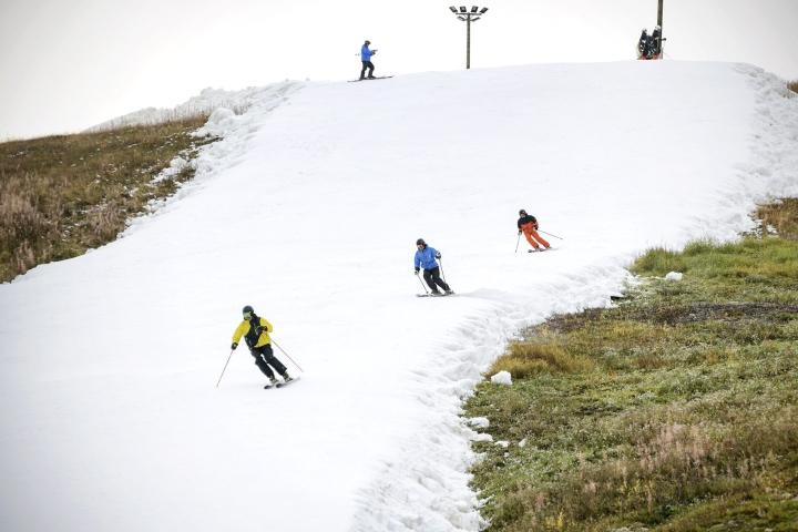 Kuusamon Rukan ja Kittilän Levin hiihtokeskuksissa alkoi tänään laskettelukausi. Kuva Levin laskettelukeskuksesta. LEHTIKUVA / Aku Häyrynen