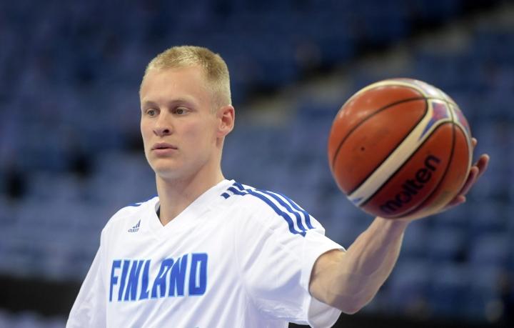 Maajoukkuetakamies Sasu Salin heitti 33 pistettä, kun Teneriffa voitti Prometeyn pistein 73 -70 Mestarien liigassa. LEHTIKUVA / Vesa Moilanen