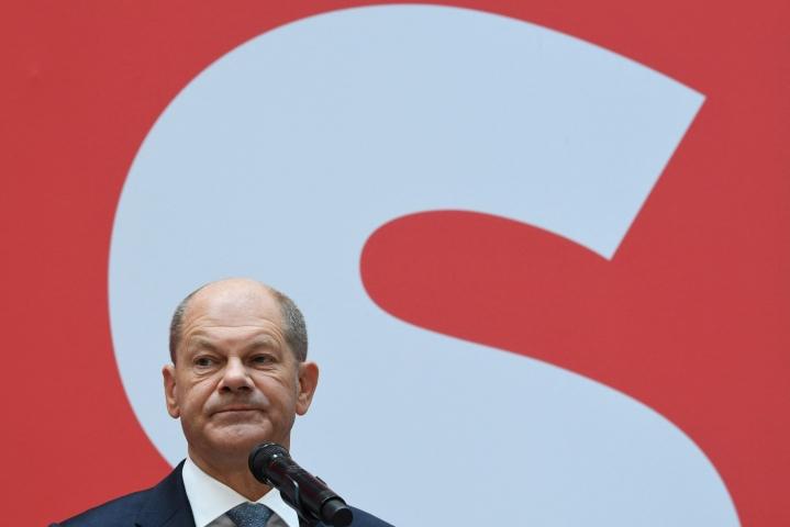 Der Spiegel -lehden mukaan SPD:n Olaf Scholz on ilmaissut halukkuutensa neuvotteluihin. LEHTIKUVA/AFP