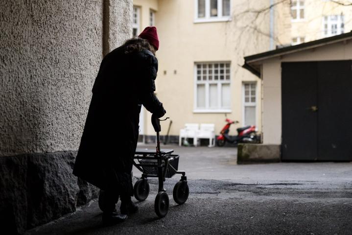 Uuden, vielä julkaisemattoman tutkimuksen perusteella eläkeläisten kokemat toimeentulovaikeudet ovat vähentyneet. LEHTIKUVA / Roni Rekomaa