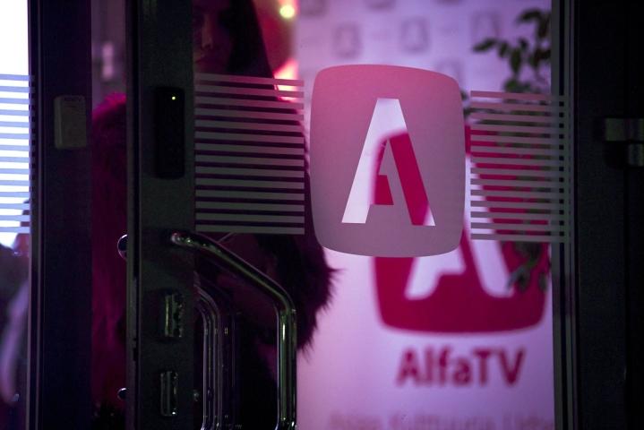 AlfaTV:n taustayhtiön Brilliance Communicationsin toimitusjohtaja Hannu Haukka tyrmää oikopäätä näkemyksen, että Kompassi-ohjelma olisi ajankohtaisohjelma, vaikka kristillisdemokraattien eduskuntaryhmä sitä sellaisena mainostaakin. LEHTIKUVA / EMMI KORHONEN