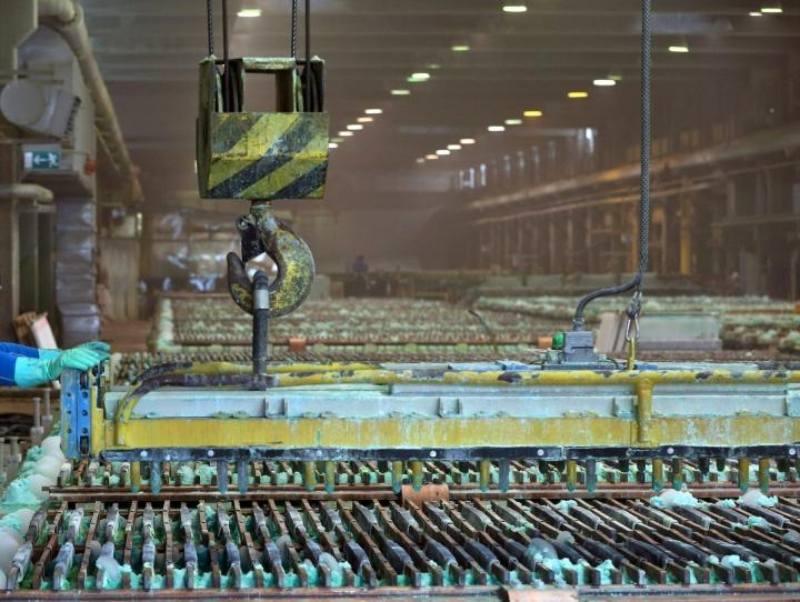 Tilastokeskuksen mukaan teollisuuden uudet tilaukset kasvoivat elokuussa peräti 48 prosenttia vuodentakaisesta. LEHTIKUVA / Jussi Partanen