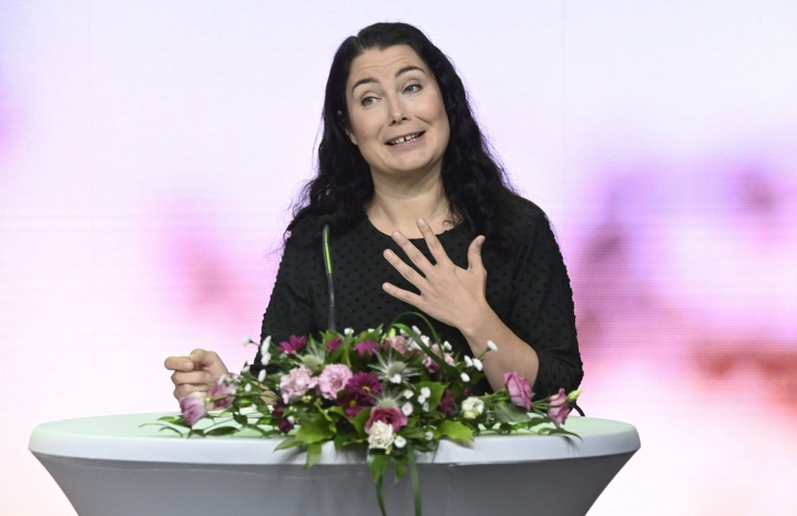 Helsingin Sanomien tietojen mukaan Maria Ohisalo esittänyt, että Emma Kari valittaisiin puolueen uudeksi ympäristöministeriksi. Lehtikuva / Heikki Saukkomaa
