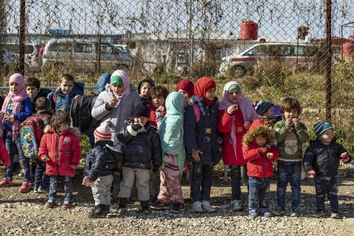 Ulkomaisten Isis-taistelijoiden orvoiksi jääneitä lapsia al-Holin leirillä Syyriassa.  LEHTIKUVA / AFP