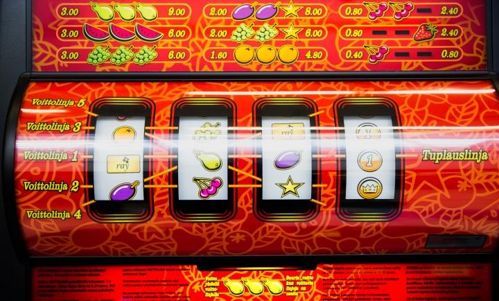 Pitäisikö peliautomaatit poistaa mielestäsi ruokakaupoista?