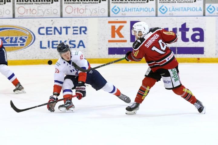 Kiekko-Poikien sisäisen pistepörssin kärkeen noussut Teemu Siironen ei päässyt Lieksassa maalin makuun, mutta sai yhden syöttöpisteen.