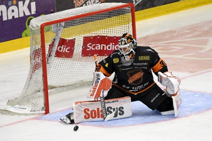 KooKoon Oskari Setänen pelasi pelasi kauden ensimmäisen ja uran 18:nnen nollapelin. LEHTIKUVA / Emmi Korhonen