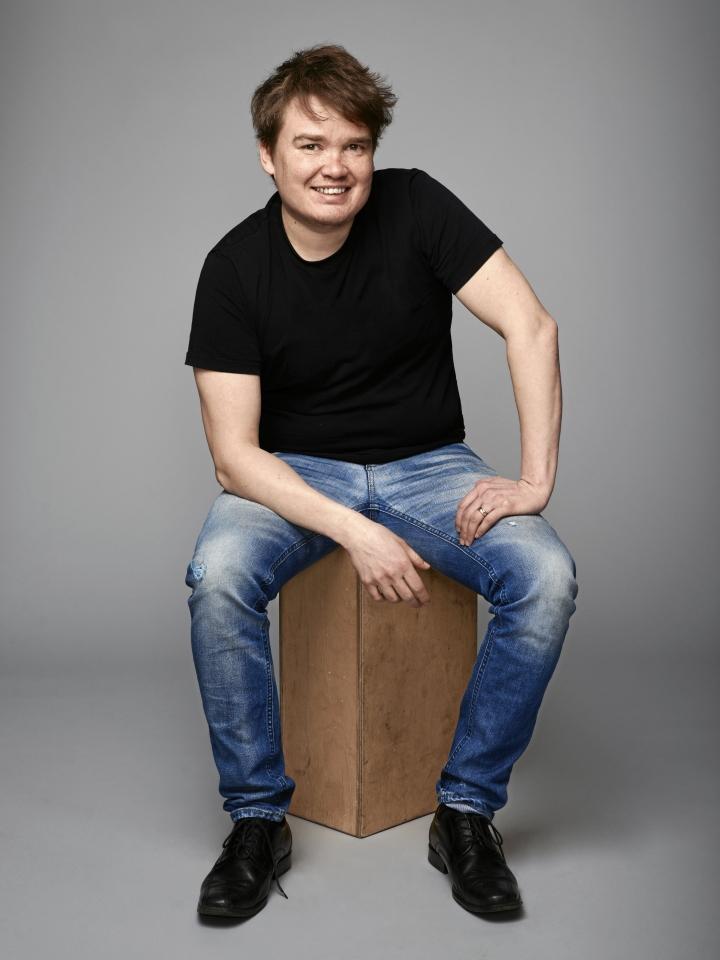 Antti Heikkinen kertoo biofiktiossaan nilsiäläisestä hiihtäjämestarista.