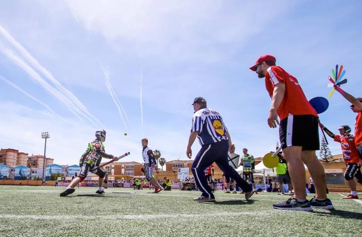 Joensuun Maila ja Seinäjoen JymyJussit kohtasivat Fuengirolassa keväällä 2019 ottelussa, joka avasi miesten Superpesiksen kauden.