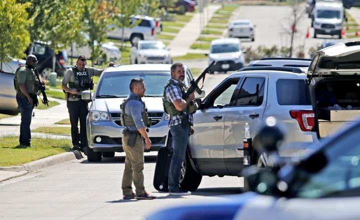 Sairaalahoitoon tapahtuneen vuoksi vietiin kolme ihmistä, joista kahdella oli ampumahaavoja. Paikallismedian tietojen mukaan 15-vuotias poika haavoittui vakavasti. LEHTIKUVA / Getty Images / AFP