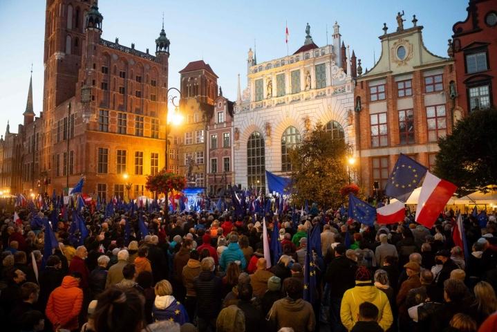 Mielenosoituksia järjestettiin eri puolilla Puolaa. Kuva Gdanskista. LEHTIKUVA/AFP